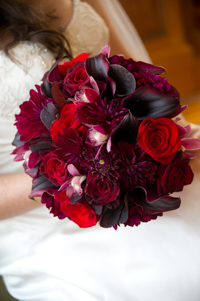 Burgundy and red garden posy