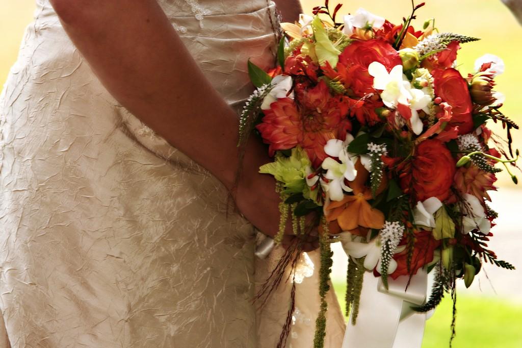 Textural cascade bouquet