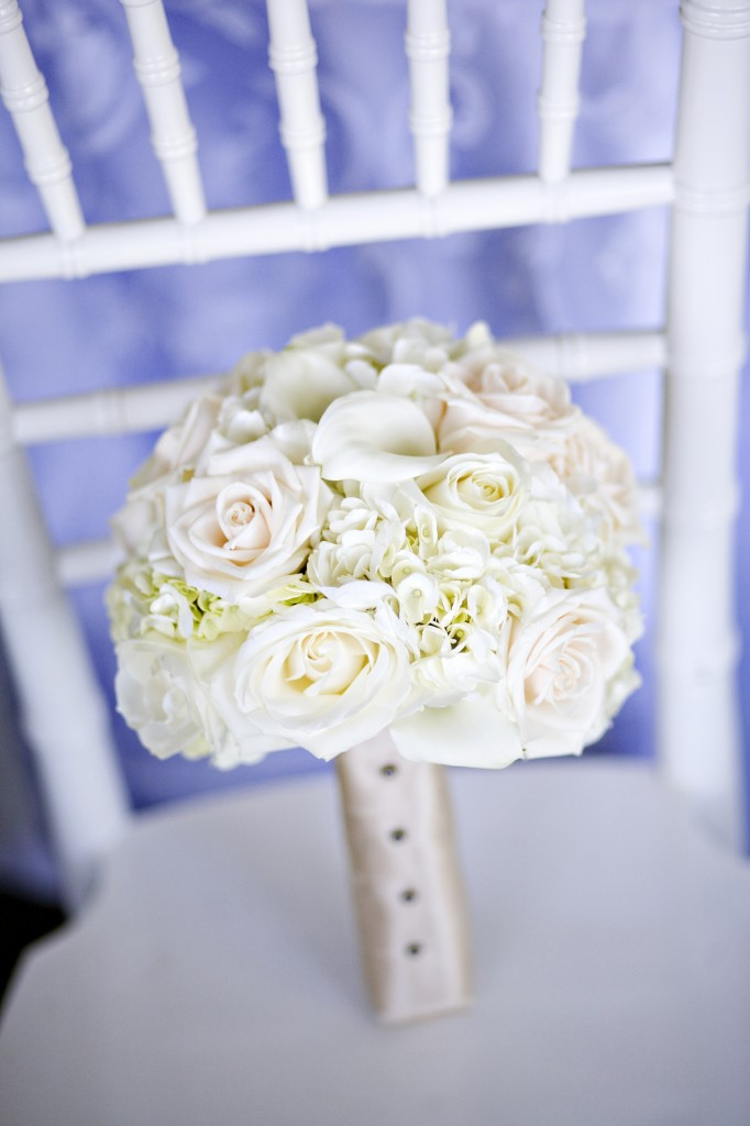 Roses, hydrangea and calla lilies wedding bouquet